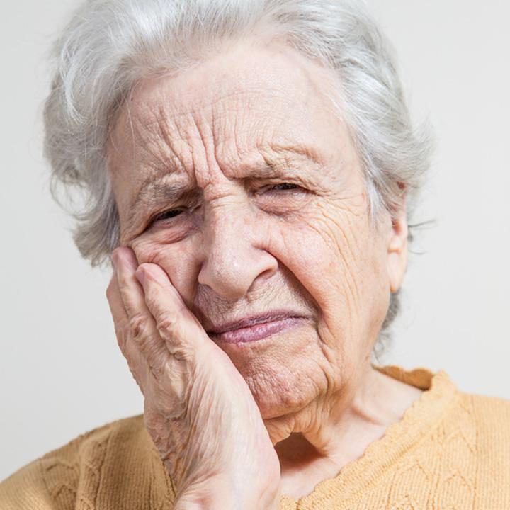 Soins aux personnes g es centre dentaire de la tour - Grille des salaires des assistantes dentaires ...